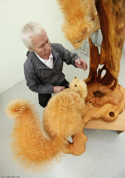 Unbelievable Wood Carvings 09