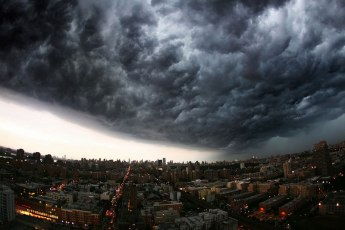 incoming-storm-cloud-new-york-city-panoramic