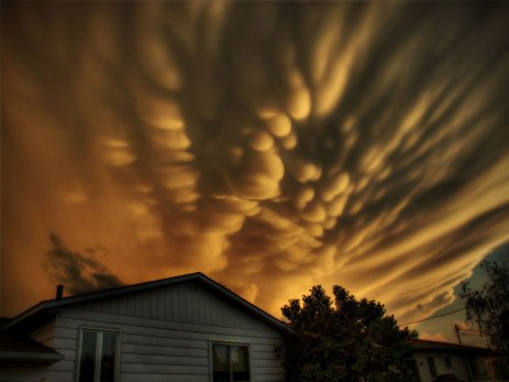mammatus-clouds-quebec-michel-filion