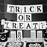 black-and-white-halloween-th