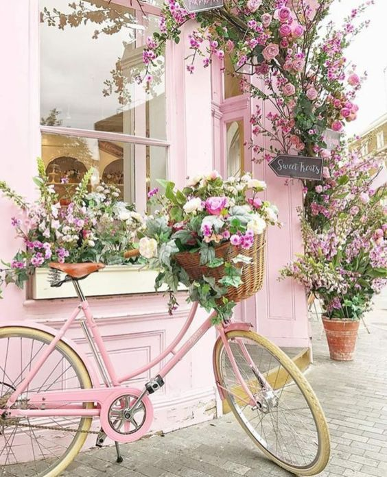 Exciting Girl Party Themes: Floral Bicycle Party