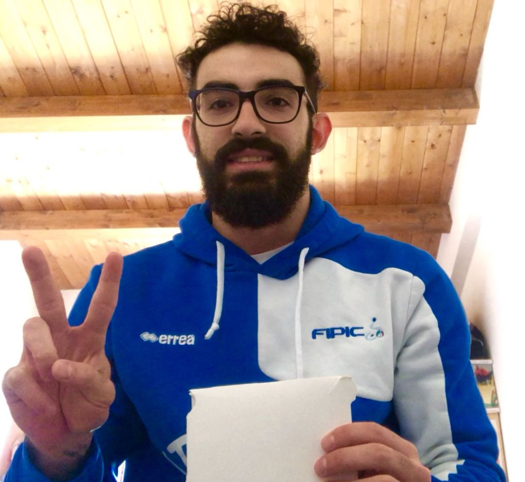 Italy's national national team captain Simone De Maggi raises his #WhiteCard for #IDSDP2018