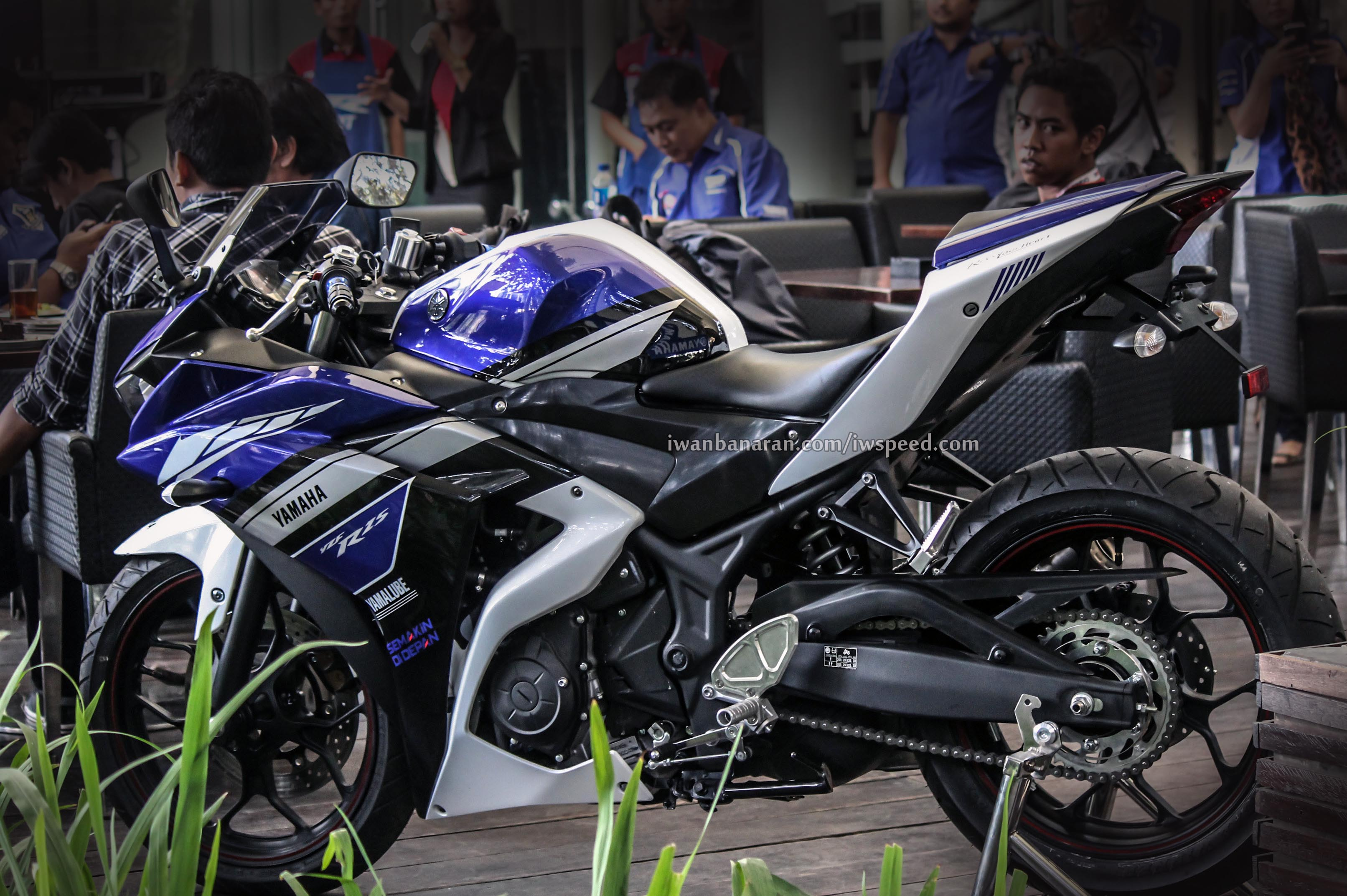 Gambar high resolution Yamaha YZF R25 Motogp livery