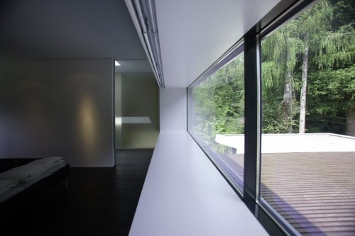 The outdoor space as part of your living space. Light, aspect & excellent architecture.