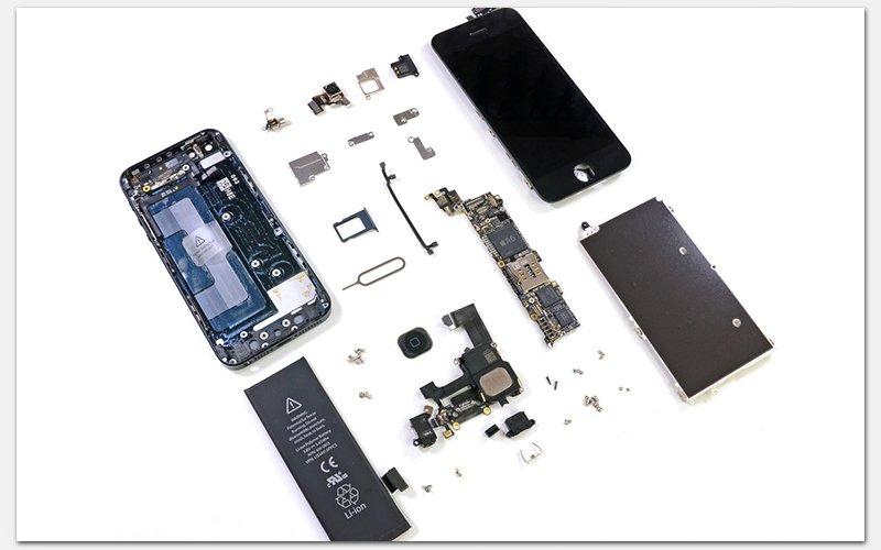 Полностью разобранный iPhone 5