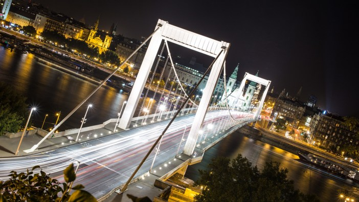 Elisabeth bridge in Budapest at night