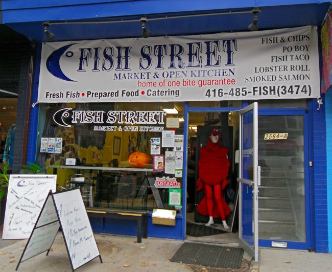 Front outside view of Fish Street Market & Open Kitchen