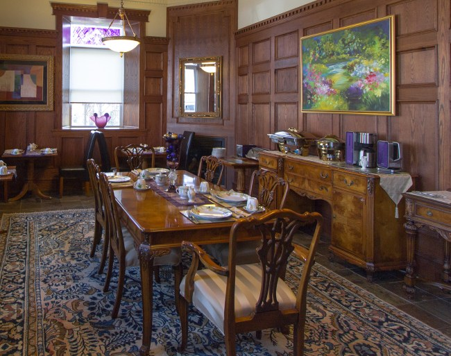 Breakfast and dinning room at the BrannCliff Inn.