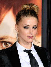 amber-heard-and-johnny-depp-the-danish-girl-premiere-in-westwood_19