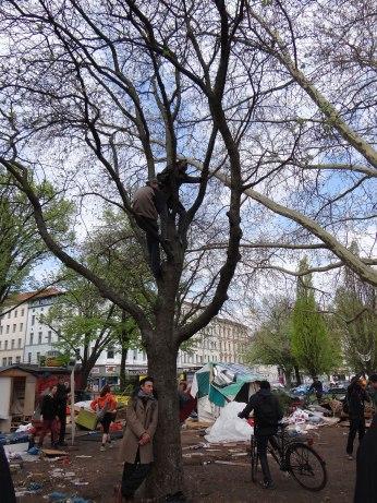 Napuli - Oranienplatz Eviction April 2014