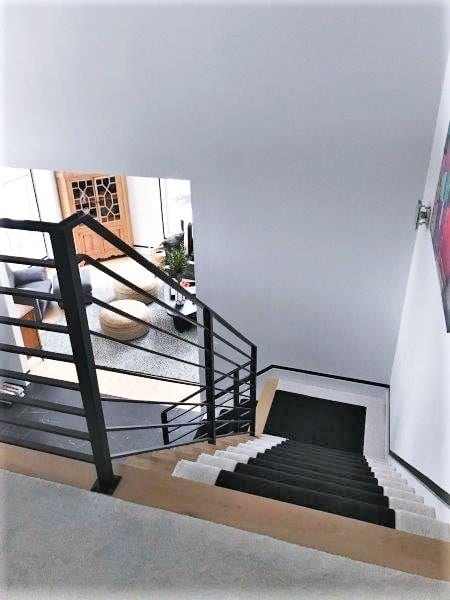 Horizontal Flat Bar Railing For Black And White Interior Great | Black And White Staircase Railing | Colour Combination | House | Indoor | 1920'S | Floors