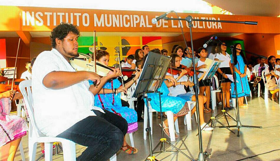 clausuran-talleres-zihuatanejo