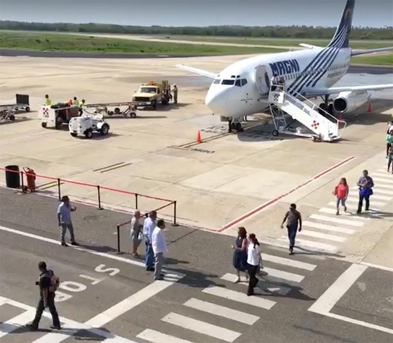 vuelo-moterrey-zihuatanejo-2