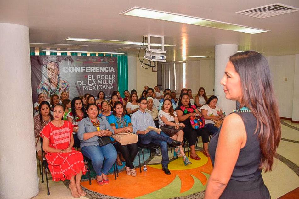 el-poder-de-la-mujer-mexicana-zihuatanejo-.jpg