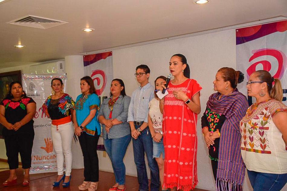 el-poder-de-la-mujer-mexicana-zihuatanejo.jpg