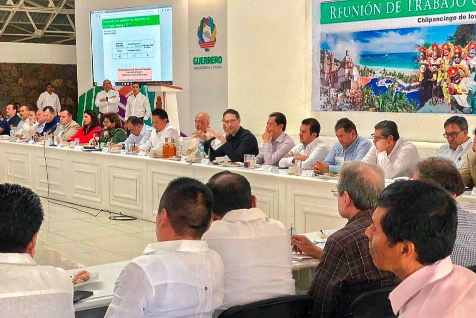 reunion-presidentes-municipales-guerrero-jorge-sanchez-zihuatanejo_.jpg