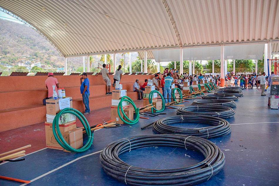 APOYOS-DIF-estatal-municipal-zihuatanejo-unidad-deportiva-.jpg