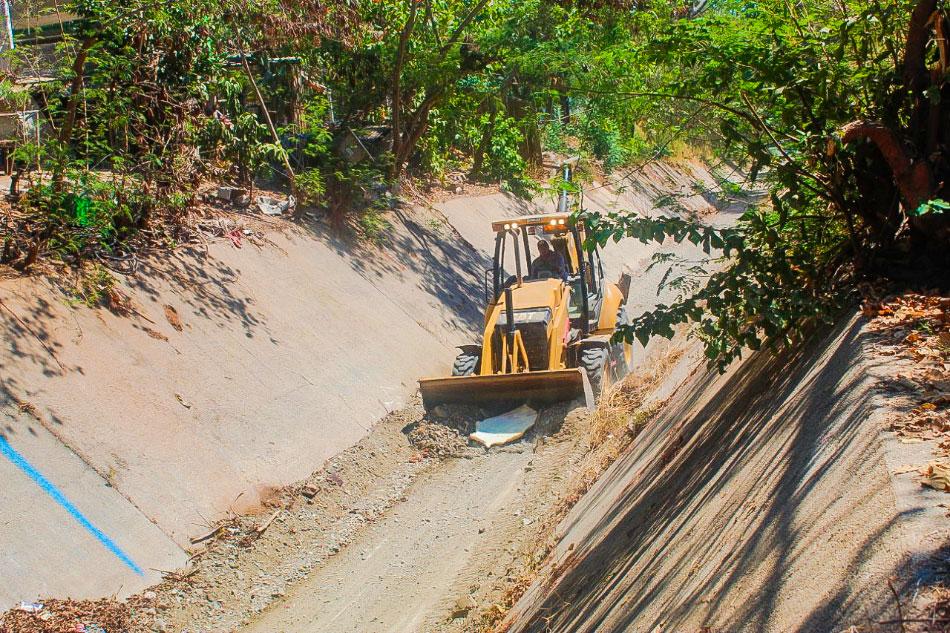 mantenimiento-canales-pluviales-zihuatanejo.jpg