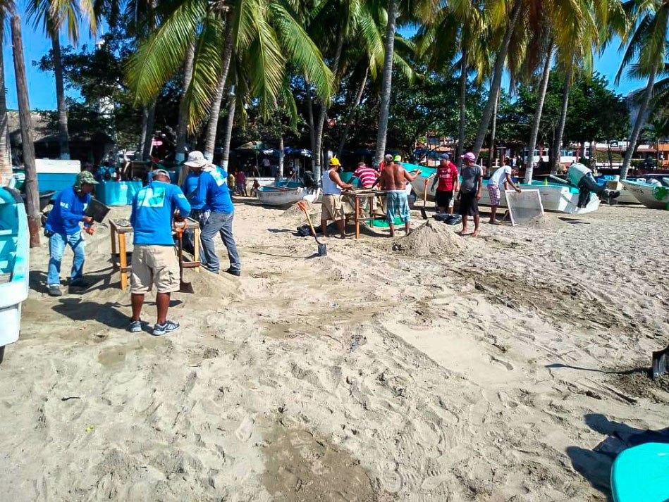playa-principla-gobierno-limpieza-pescadores-.jpg