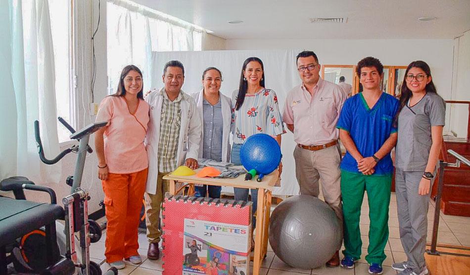 dif-equipo-medico-hospital-zihuatanejo--.jpg