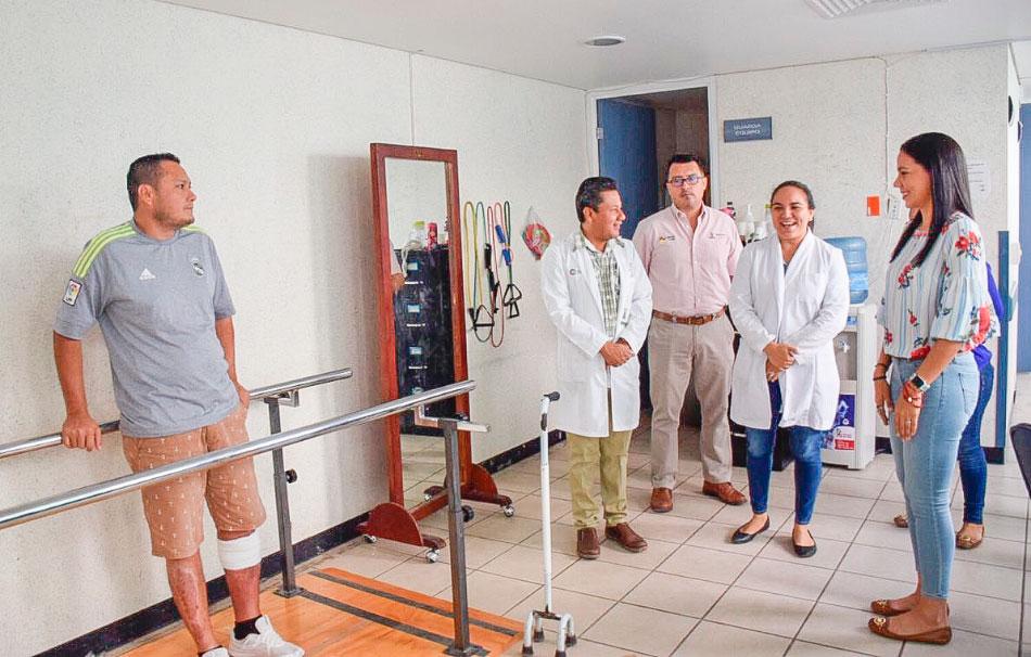 dif-equipo-medico-hospital-zihuatanejo_.jpg