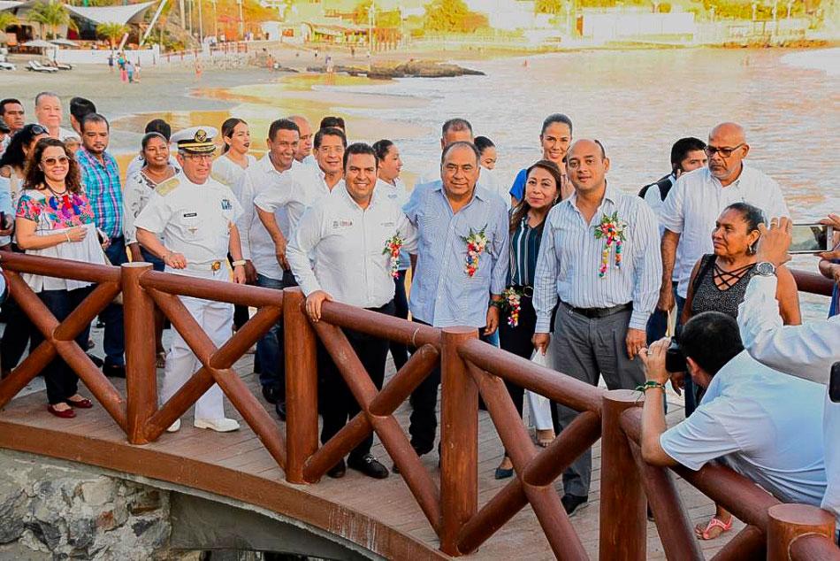 inauguracion-paseo-pescador-zihuatanejo-primera-etapa--.jpg
