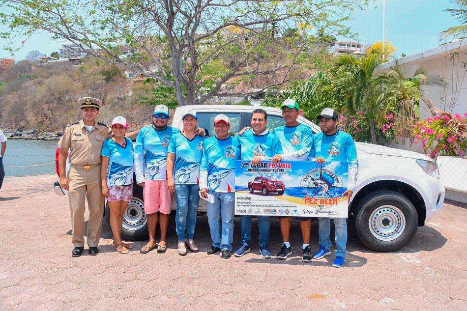 premios-torneo-pesca-pez-vela-calentona-zihuatanejo_.jpg