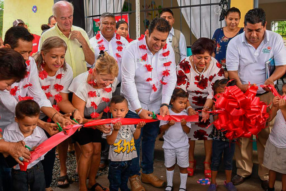 inauguracion-aulas-zihuatanejo_jorge-s__.jpg