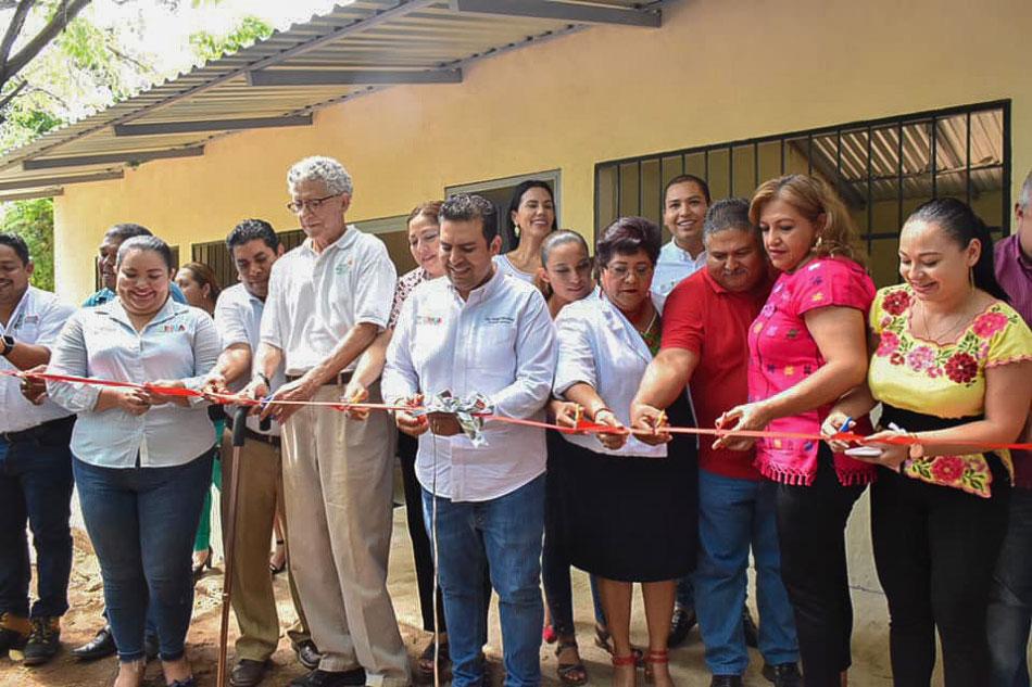 inauguracion-cancha-aulas-sec-coacoyul-espania-.jpg