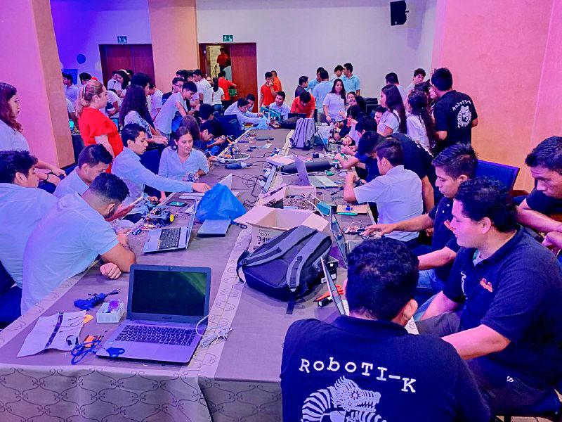 cocurso_robotica_2019_ixtapa_zihuatanejo-.jpg