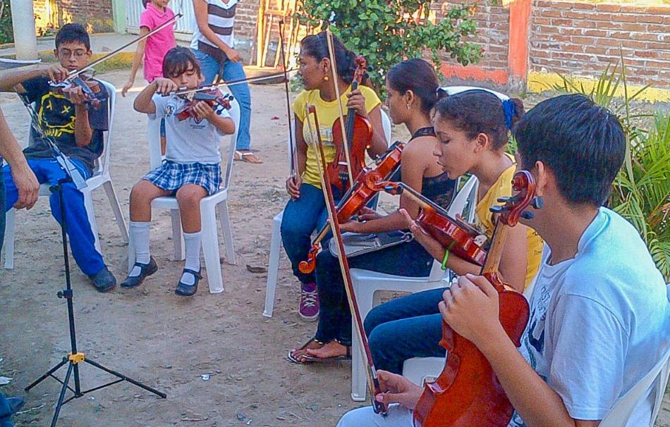 orquesta-infantil-zihuatanejo_.jpg