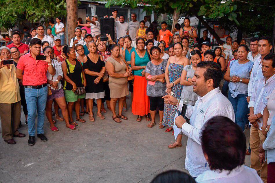 cacha_Calle_zapata_zihuatanejo-jorge_sanchez_.jpg