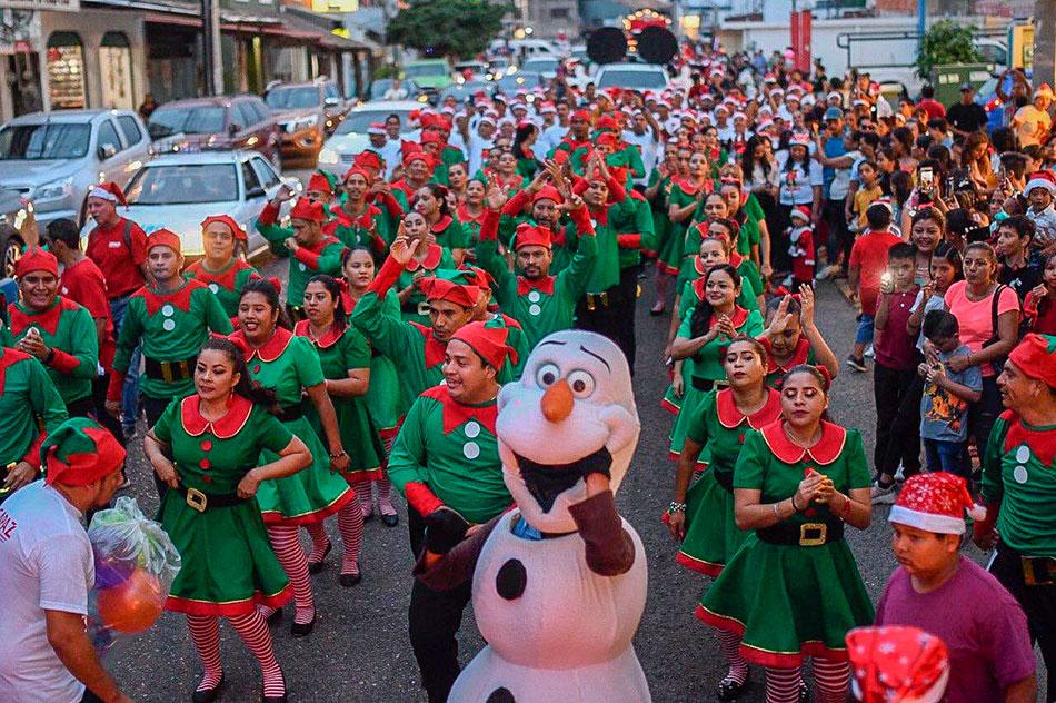 desfile-navidenio-zihuatanejo-2019--.jpg