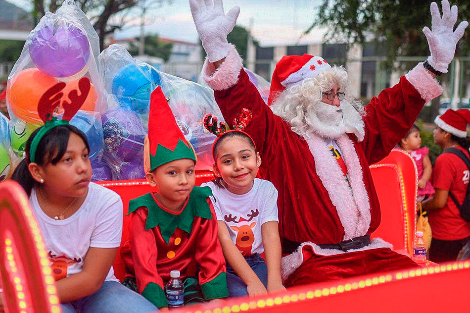 desfile-navidenio-zihuatanejo-2019.jpg