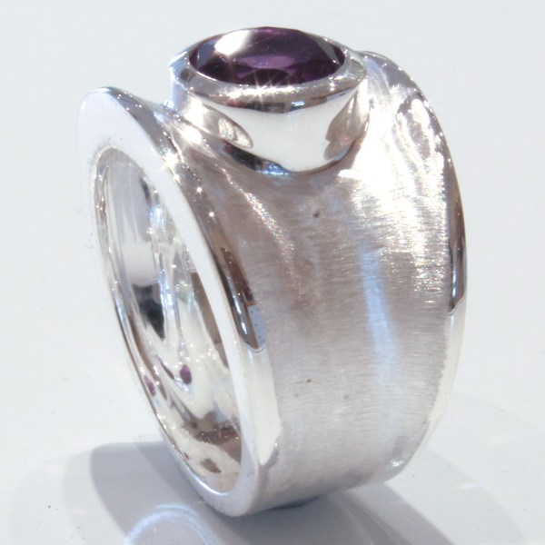 Handmade Contemporary Silver Ring with Amethyst