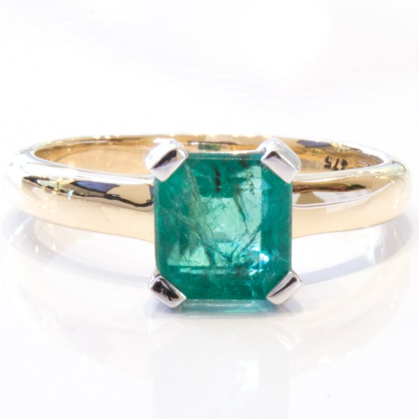 Natural Emerald in Handmade Gold Ring