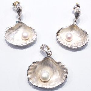 Shell Sterling Silver Earrings & Pendant