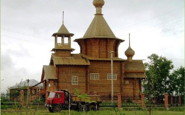 деревянная церковь из сруба
