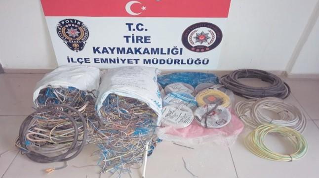 Tire'de çuvalla kablo çalmak isteyen 2 kişi yakalandı