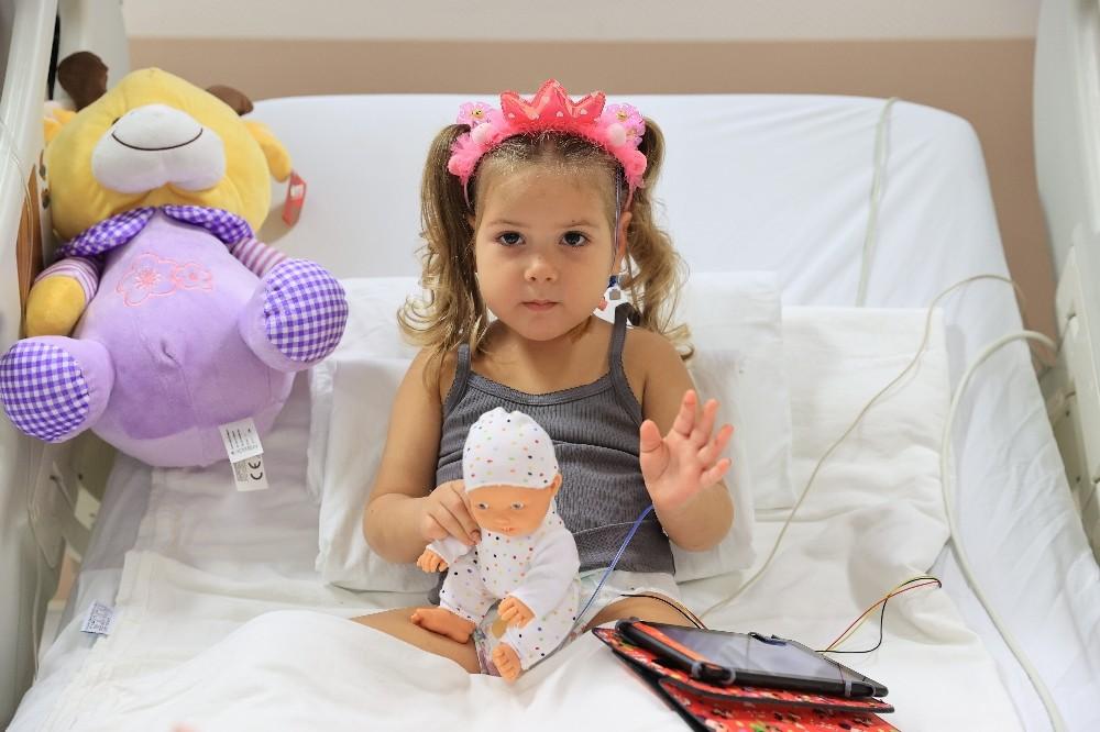 Ayda, Sağlık Bakanı Koca'dan oyuncak maymun istedi