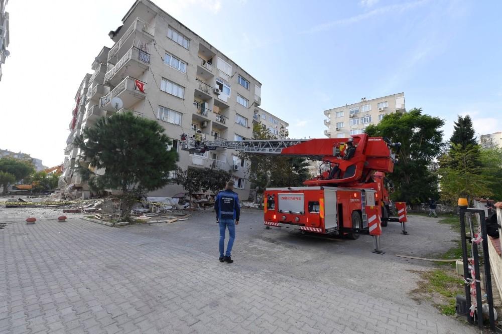 Büyükşehir ekipleri, Yıkılacak binalarda can dostlar için görevde
