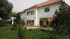 Ambasada Britanike Tirane