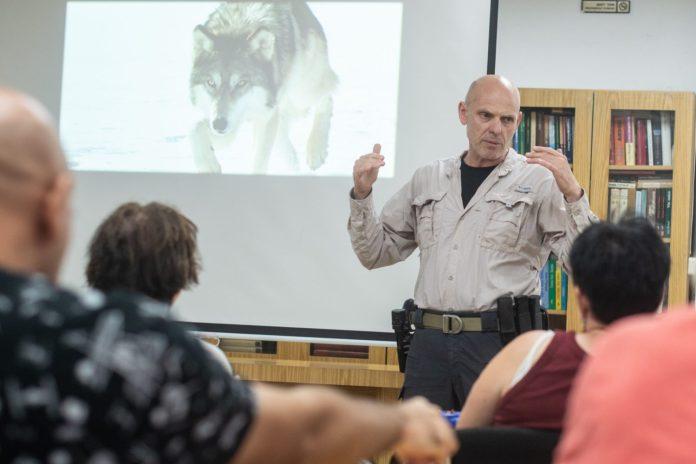 Dr. Róbert C. Castel előadása - fotó: Bea Bar Kallos
