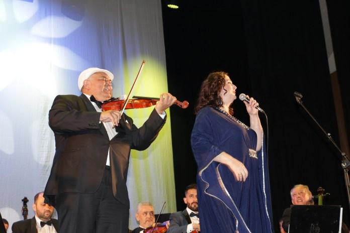 Beke Farkas Nándor hegedű, Masa Andrea szóló - fotó: Gabriella Almog