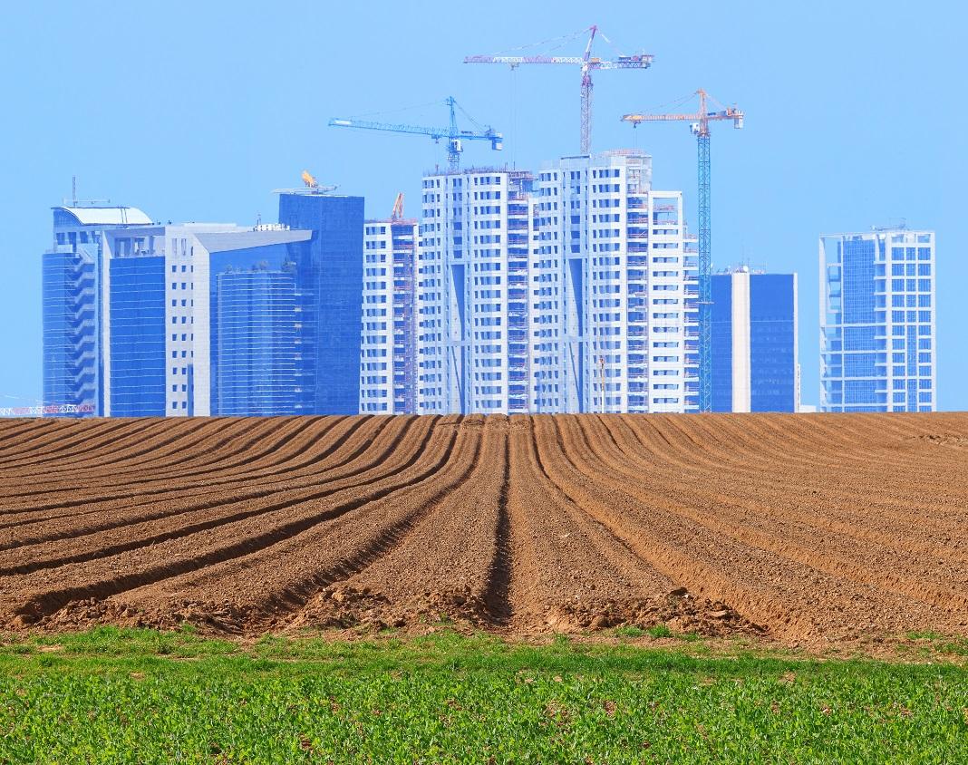 Építkezés Tel-Avivban - fotó: Shutterstock