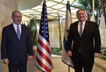 Mike Pompeo amerikai külügyminiszter és Benjamin Netanjahu miniszterelnök 2020. május 13-án Jeruzsálemben tartott tárgyalásuk előtt - fotó: Kobi Gideon / GPO