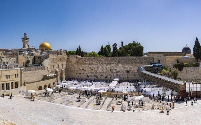 Jeruzsálem óvárosában a Nyugati fal, 2020. május fotó:. Yaniv Berman / Izrael Régiségek Hatósága