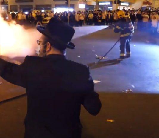 Ultraortodox tüntetők Jeruzsálem Romema negyedében, 2020. július 10. - fotó: YouTube képernyőkép