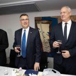 Aviháj Mandelblit, Gideon Szaár és Beni Ganz az új igazságügyi miniszter hivatalba lépésekor – Fotó: az Igazságügyi Minisztérium sajtóosztálya