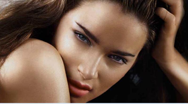Ljetni makeup trend: Brozner obavezan kao i trend naglašenih obrva